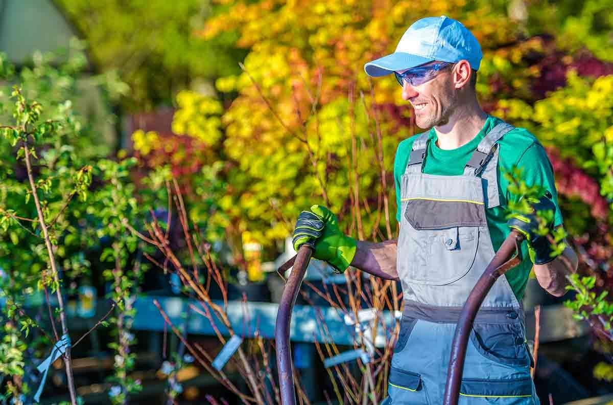 landscaping company hiring seasonal workers in fort collins